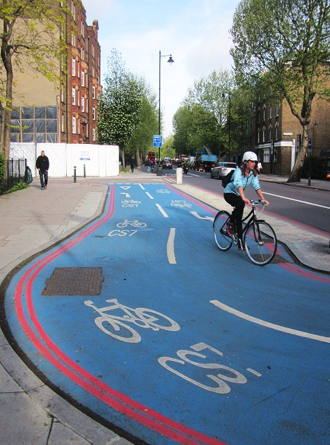 File:Barclays Cycle Superhighway CS7 (C) Patrick Mackie