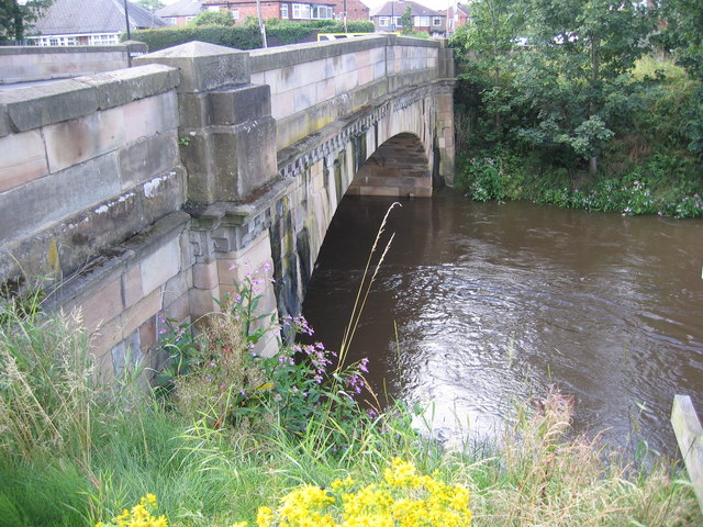 File:Flixton Bridge - Geograph - 1427903.jpg