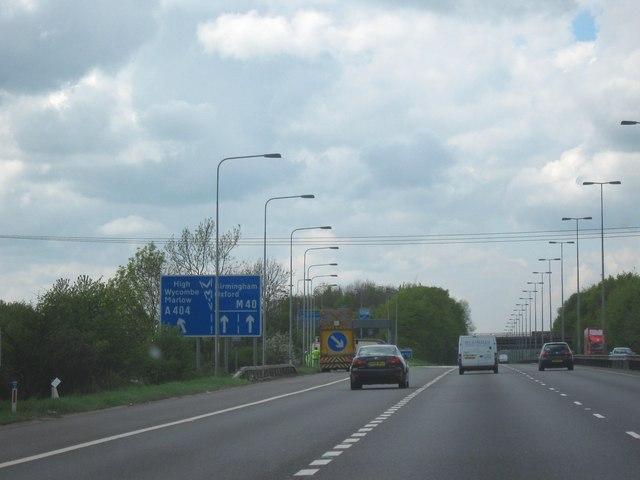 A404 road
