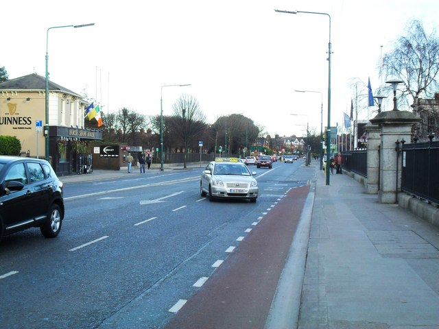 File:Merrion Road, Dublin 4 - Geograph - 1740091.jpg