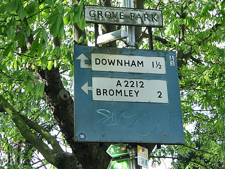 File:A less faded Grove Park sign, just around the corner from the other one. The large blue area below used to have a right turn plate with 'Lee Green' on it, but was removed when an island was installed. - Coppermine - 938.jpg