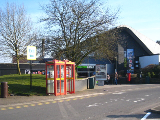 File:Membury Services - Geograph - 1751331.jpg