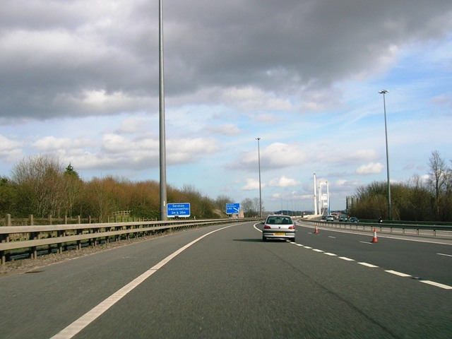 File:M48 - eastbound approach towards the Wye Bridge. - Coppermine - 5505.jpg