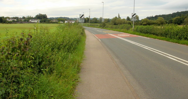 File:Caerleon Road nearing Caerleon - Geograph - 1590973.jpg