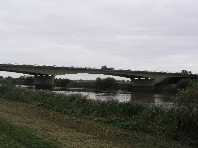 File:M180 crossing the River Trent - Geograph - 65309.jpg