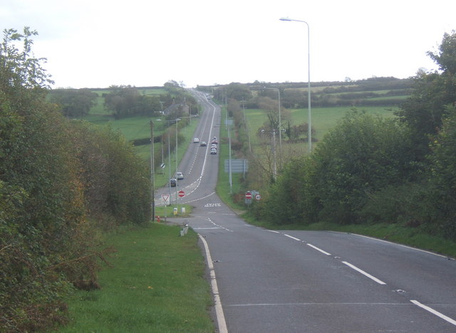 File:Approaching the A48 junction - Geograph - 1019579.jpg