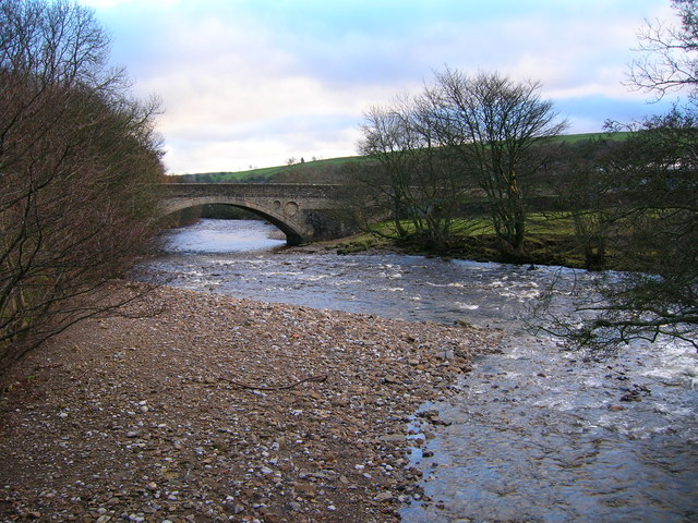 File:Middleton Bridge on the River Tees - Geograph - 292152.jpg