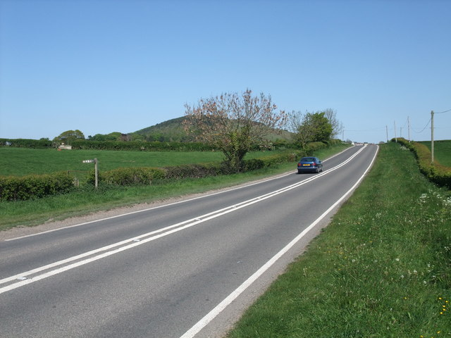 File:'s Dyke Path crossing the A5151 at Ty Newydd - Geograph - 1332639.jpg