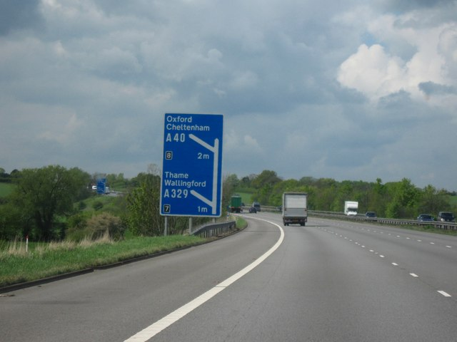 File:M40 Motorway, Heading West. Junction 7, One Mile To Go & Junction 8, Two Miles - Geograph - 1281571.jpg