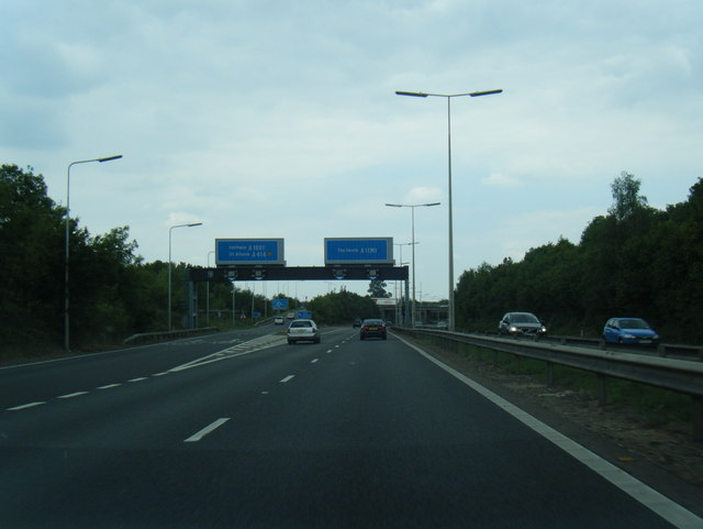 File:Junction 3 northbound on A1(M) - Geograph - 2513463.jpg