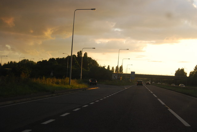 File:A127, B186 turning - Geograph - 3271206.jpg