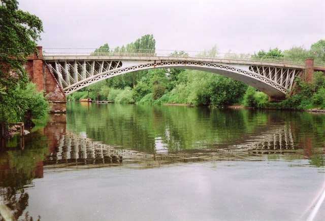 File:Holt Fleet bridge - Geograph - 592544.jpg