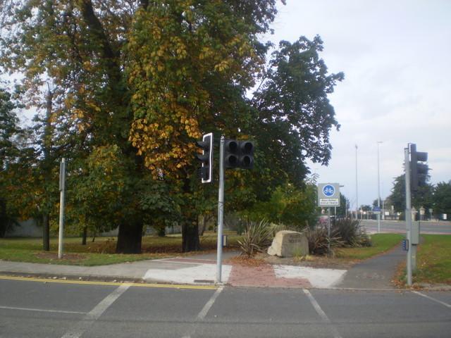 File:Siemens Helios toucan crossing, N11, Dun Loghaire