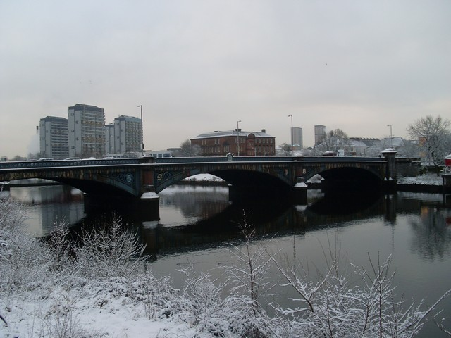 File:Albert Bridge (Glasgow).jpg