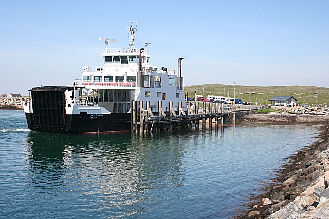 File:Sound of Harris Ferry - Geograph - 1343666.jpg