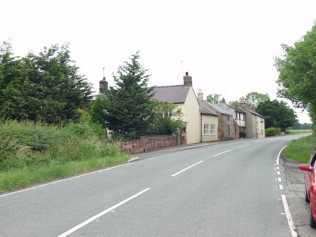 File:Houses at Wooton - Geograph - 188820.jpg