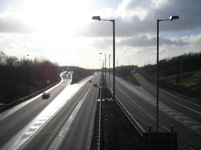 File:A1(M) looking south from St Albans Road, South Mimms.jpg