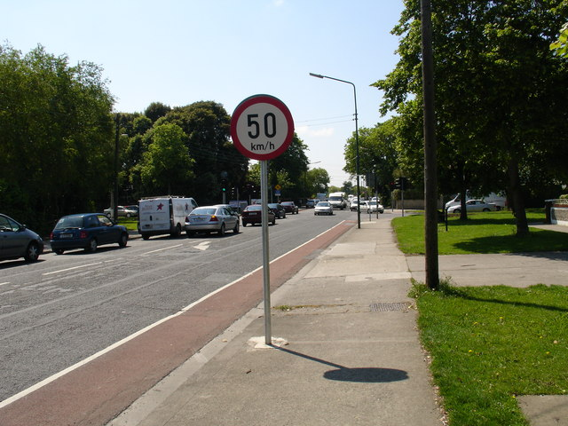 File:Brookwood Avenue and Howth Road - Geograph - 458573.jpg