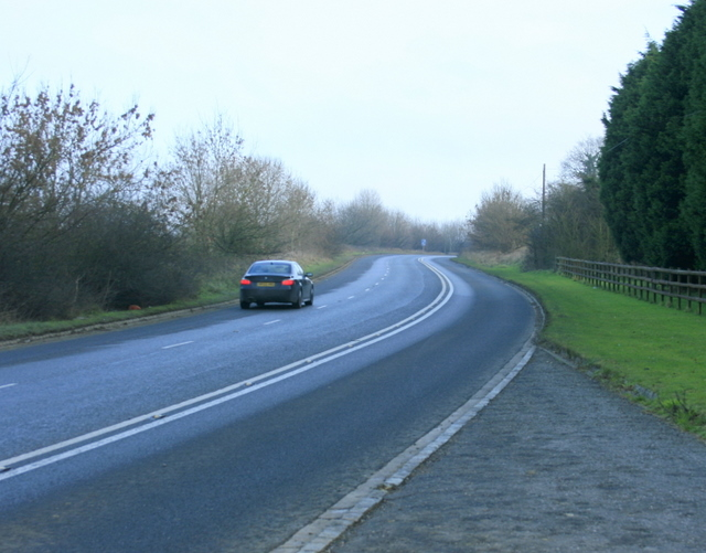 File:Looking up Tog Hill on the A420.jpg
