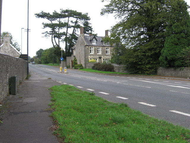 File:A38 heading towards Rudgeway - Geograph - 255843.jpg