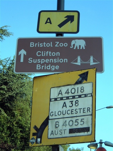 File:A4018 Aust Ferry pre Warboys sign.jpg