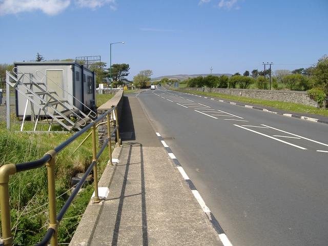File:A 5 road, Castletown - Geograph - 168615.jpg