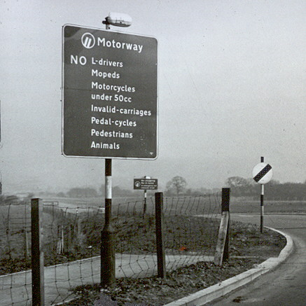 File:Motorway Sign M6 Lancashire - Flickr - 3206854093.jpg