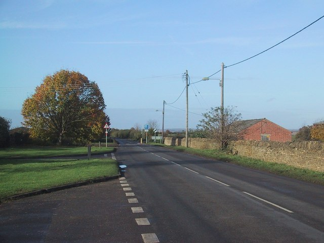File:Outskirts of Bletchingdon - Geograph - 1040415.jpg