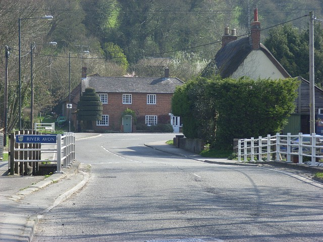 File:Andover Road, Upavon - Geograph - 396834.jpg