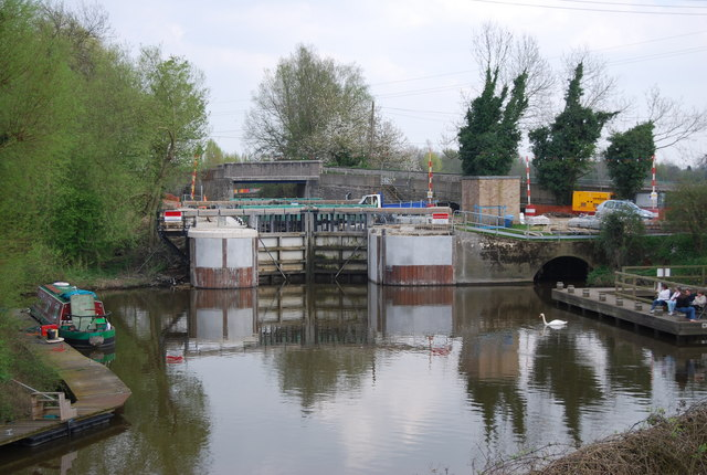File:Hampstead Lock by Hampstead Lane Bridge, Yalding - Geograph - 1267460.jpg