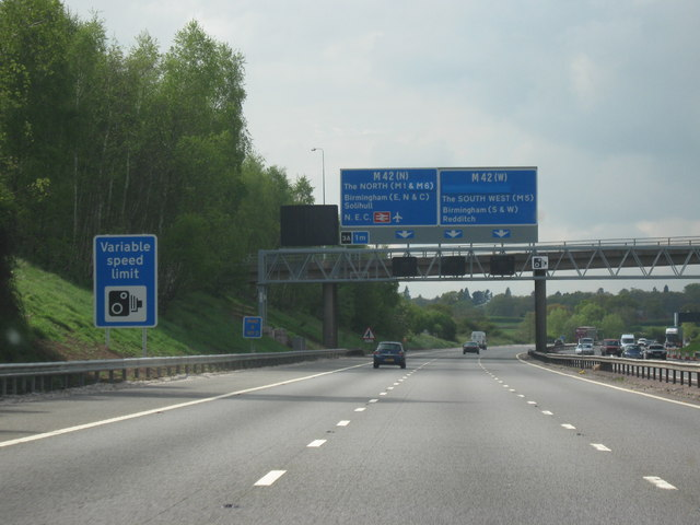 File:M40 Motorway, Heading North. Junction 3a M42 North or West -One Mile To Go - Geograph - 1283021.jpg