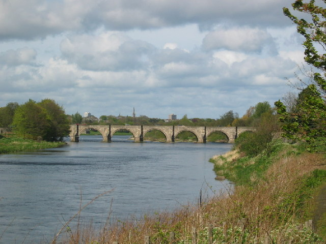 File:Bridge of Dee, Aberdeen - Geograph - 7768.jpg