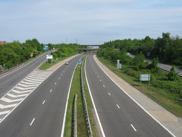 File:The A20 Dual Carriageway becomes the M20 Motorway.jpg