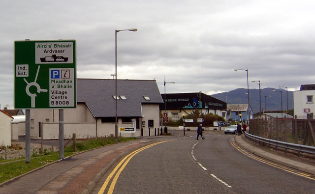 File:Arriving in Mallaig - Geograph - 3403053.jpg