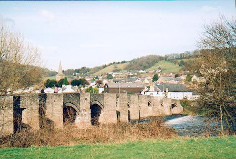 File:Crickhowell Bridge - Geograph - 123586.jpg