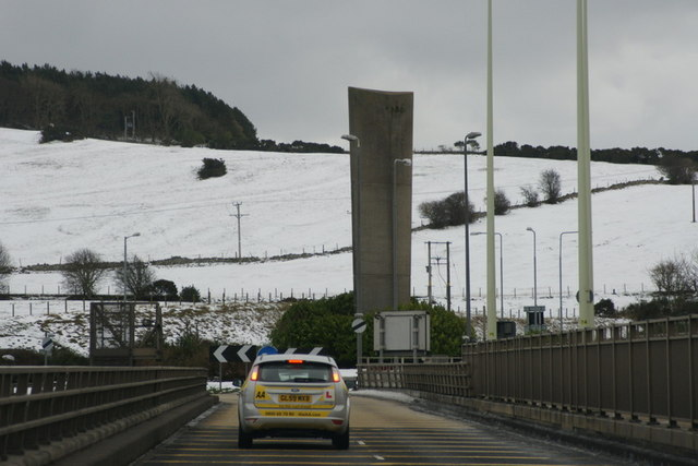 File:Fife end of the Tay Road Bridge - Geograph - 1647811.jpg