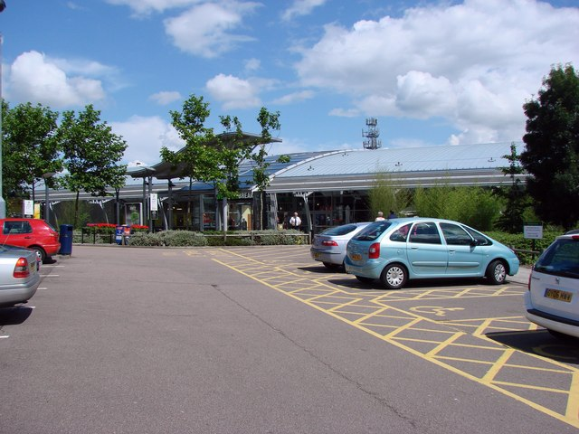 File:South Mimms Service Area, Junction A1(M) and M25 - Geograph - 493514.jpg