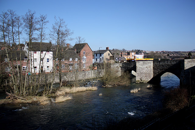 File:Ludford Bridge crosses the River Teme - Geograph - 1744287.jpg