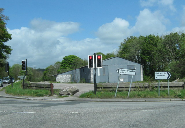 File:The only traffic lights in Dumfries and Galloway - Geograph - 1309617.jpg