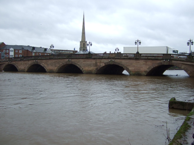 File:Worcester Bridge - Geograph - 355544.jpg