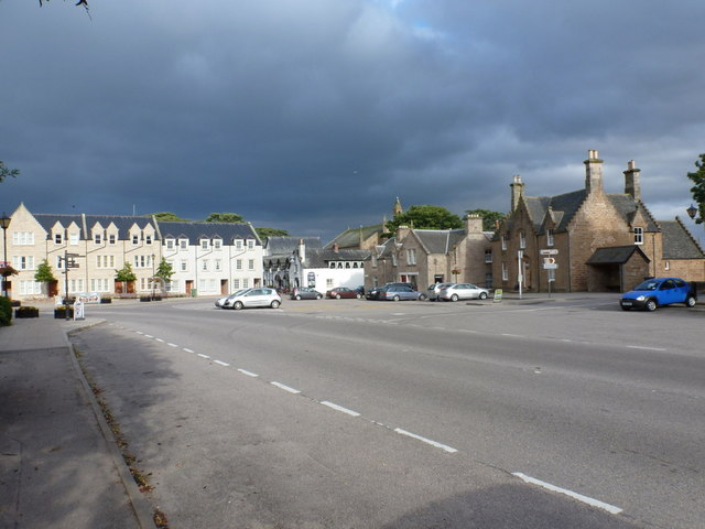 File:Dornoch- the centre of town - Geograph - 2526453.jpg