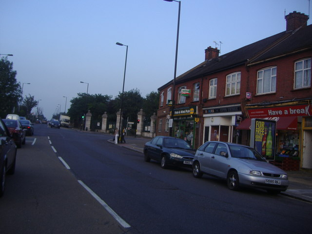 File:Popes Lane, Ealing - Geograph - 1756477.jpg