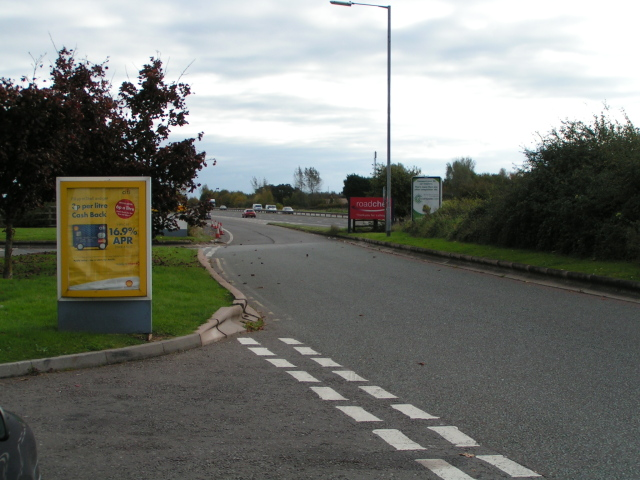 File:Return to the M5 motorway northbound at Taunton Dene services - Geograph - 1015842.jpg