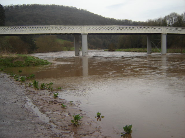 File:Brockweir Bridge, with the River Wye - Geograph - 358506.jpg