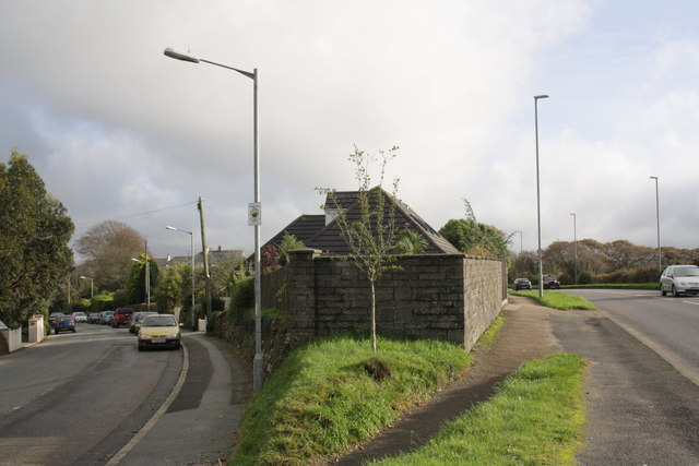 File:Walls at junction of Green Lane and Daniell Road - Geograph - 2693670.jpg
