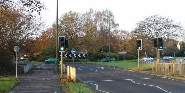 File:Cheals Roundabout. Junction of A23 and A2220, Crawley West Sussex - Geograph - 88966.jpg