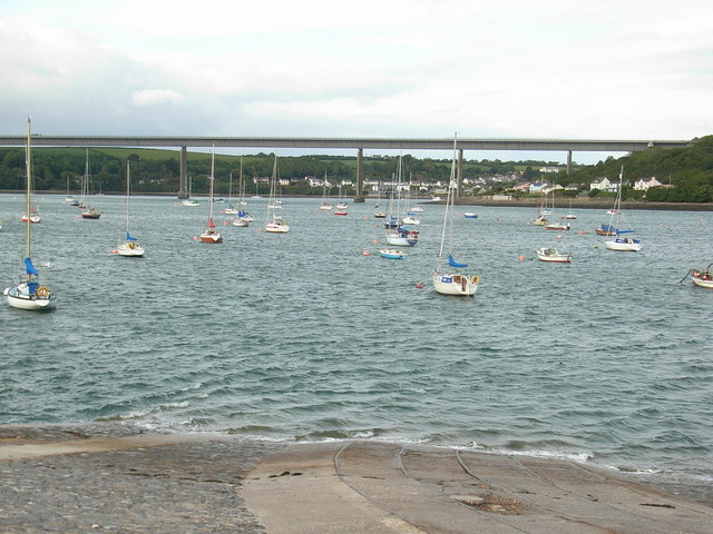 File:Cleddau Bridge from Hobbs Point - Geograph - 462763.jpg