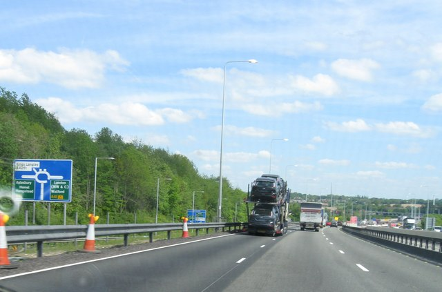 File:M25 junction 20 - Geograph - 2391632.jpg