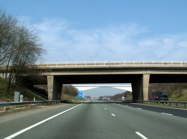 File:M1 Motorway South of Junction 37 Dodworth - Geograph - 386326.jpg
