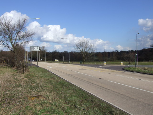 File:A140 and Junction with B1527 near Tasburgh - Geograph - 355480.jpg